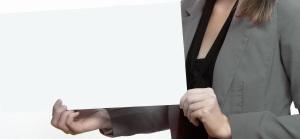 举着白纸的职业女性