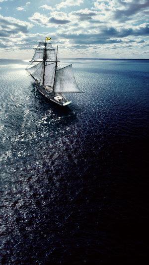 航行中的船H5背景PSD源文件