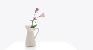 极简白色花瓶摆件